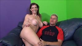Big Titty MILF Shake 9